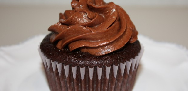Ultimate Chocolate Cupcakes with Ganache Filling – Super Wow!